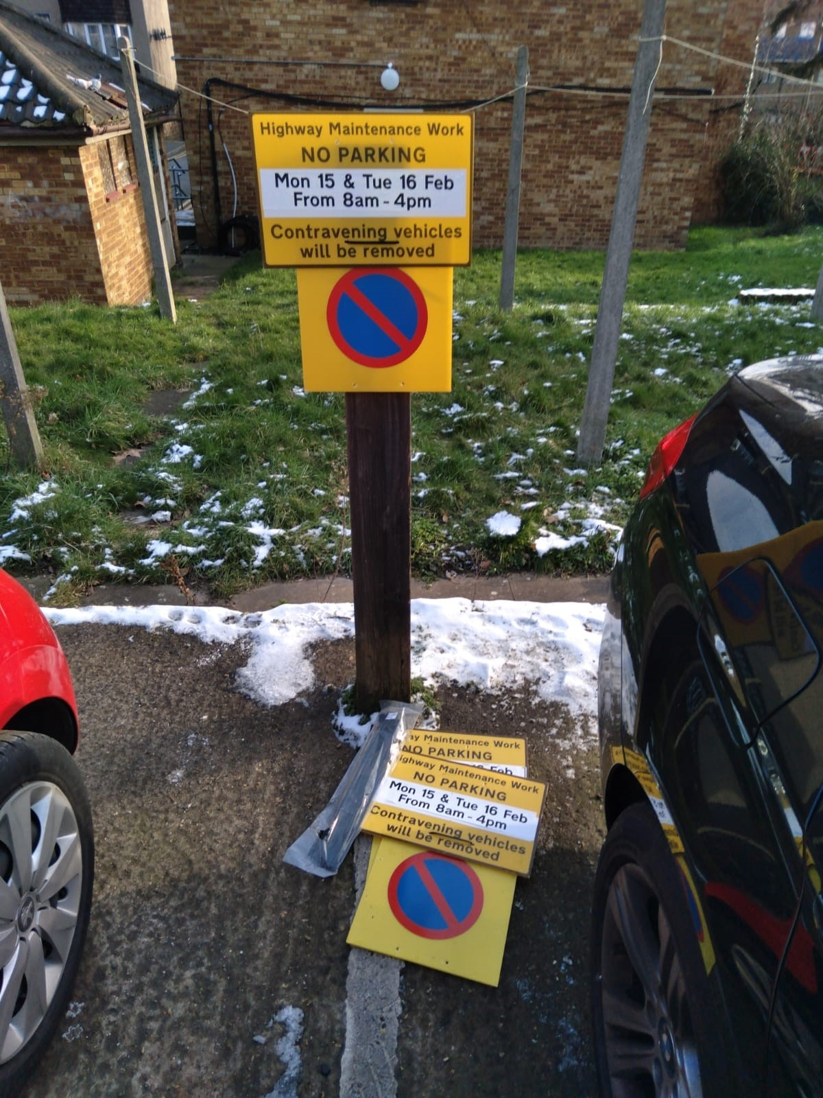 Signs warning of the parking suspension (WF Council)