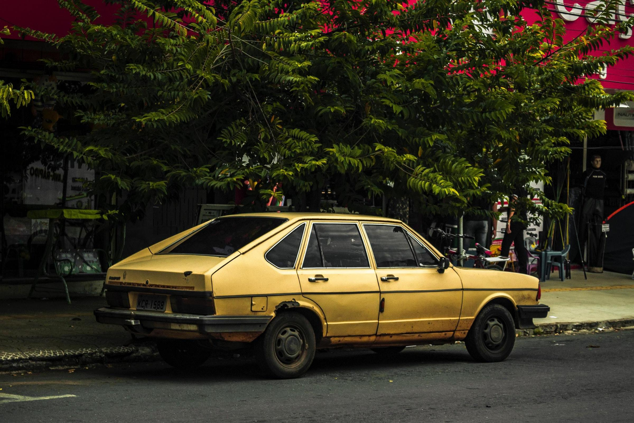 Classic or banger? Brett Ellis muses on the perils of buying a second hand car. Photo: PIxabay