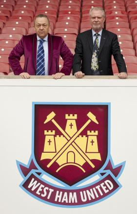 David Sullivan wants to appoint a British manager