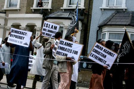 East London and West Essex Guardian Series: WALTHAM FOREST: Extremists march through borough