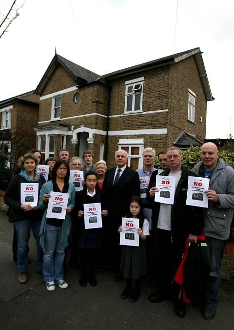 Campaigners with Iain Duncan Smith to oppose the demolition of the Victorian home in Bedford Road