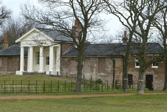 East London and West Essex Guardian Series: The Temple in Wanstead Park