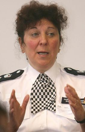 Police Borough Commander to answer questions on Twitter