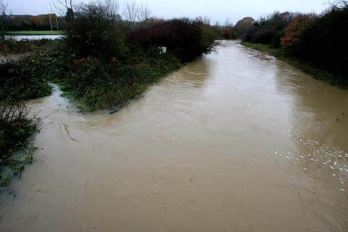 Lower River Roding flood alert lifted