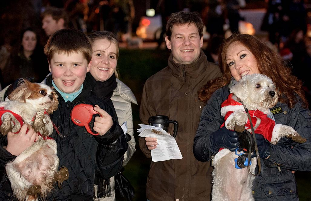 More than 1,000 turn out for carol service