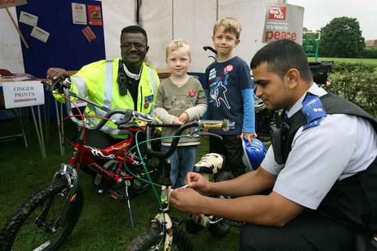 Police event to mark bikes with security ink