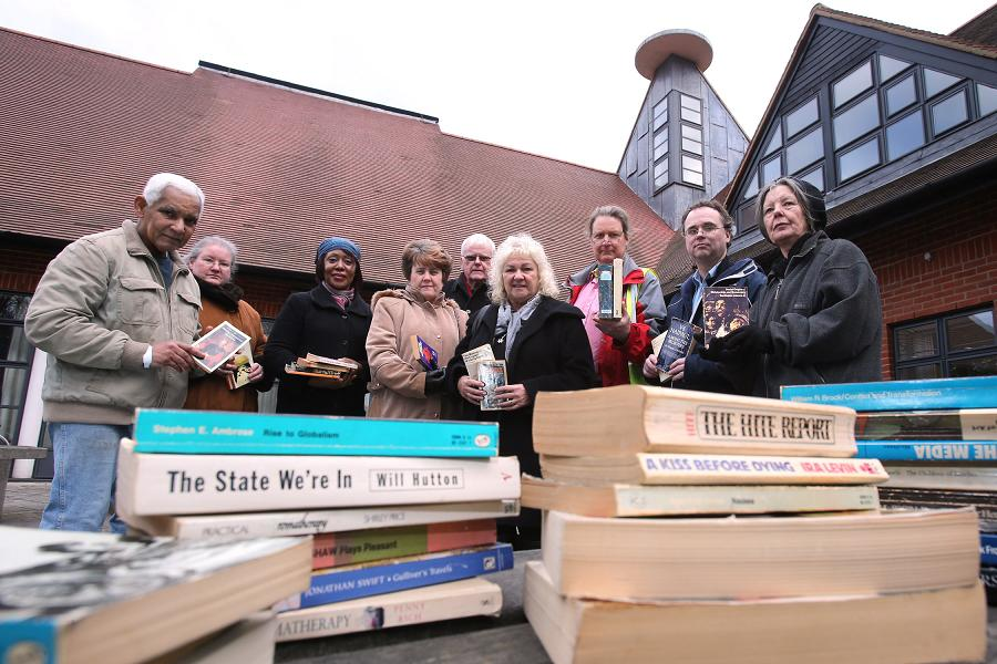Campaigners and councillors are appealing for volunteers to help out with the new proposed library.