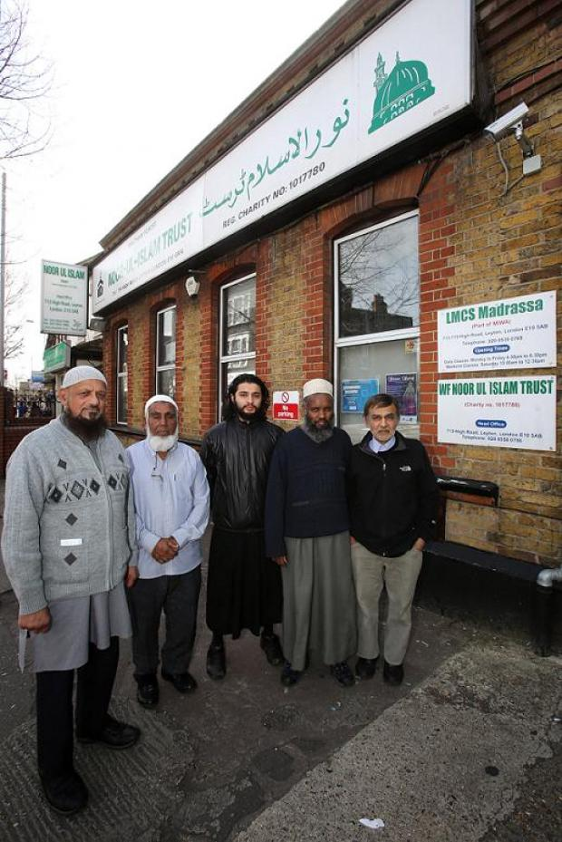 "Muslims urge schools to ""take responsibility"" after Halal meat scandal"