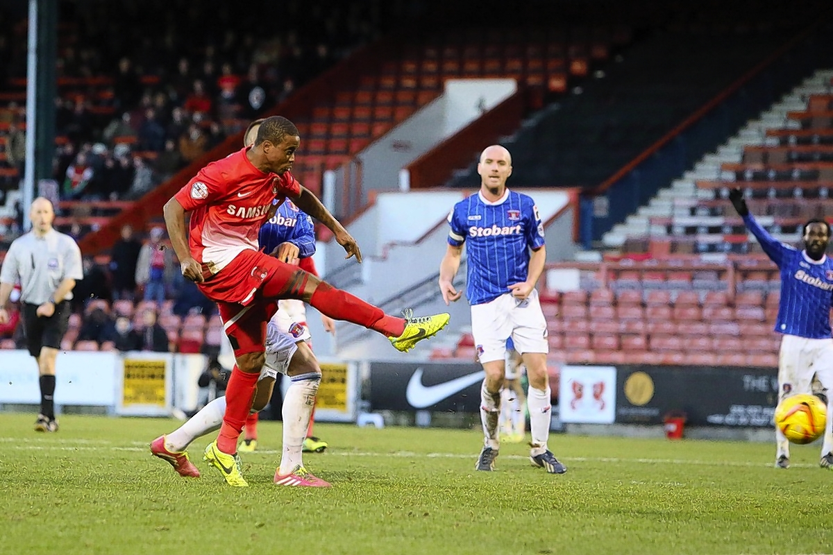 Kevin Lisbie is impressed with the attitude of the loan signings: Simon O'Connor