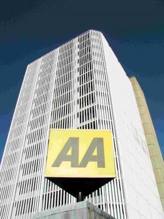 The AA president has condemned the switching off of street lights