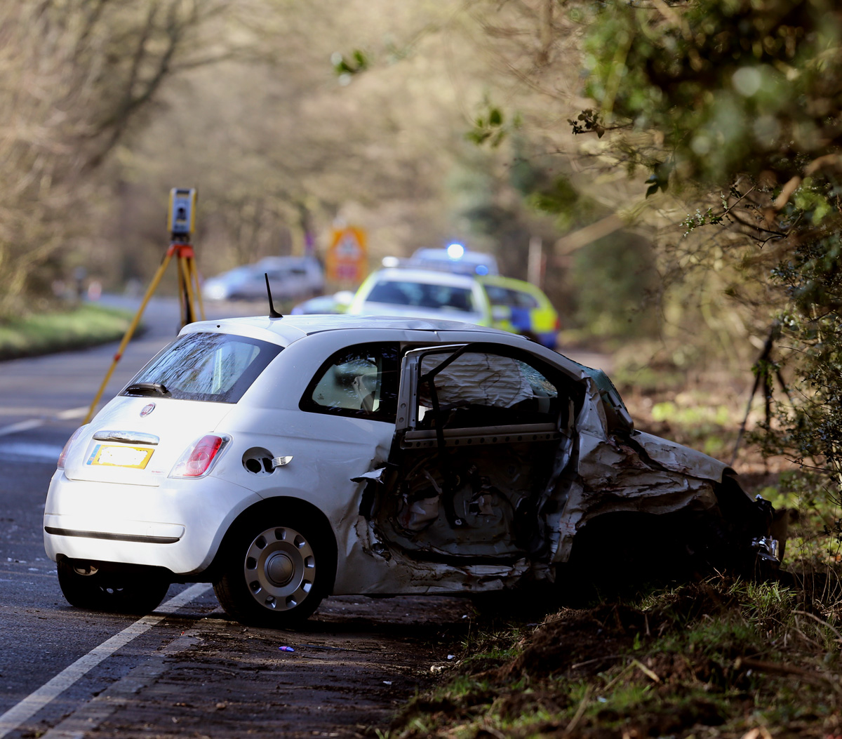 Four people trapped in car crash