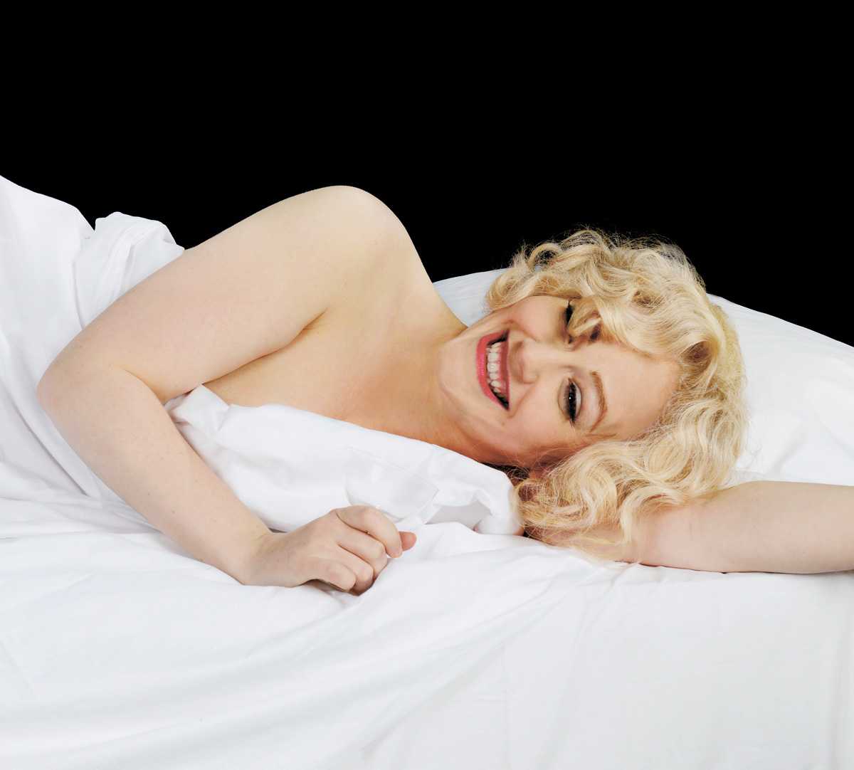 Lizzie Wort is Marilyn Monroe in The Unremarkable Death of Marilyn Monroe at Harlow Pl