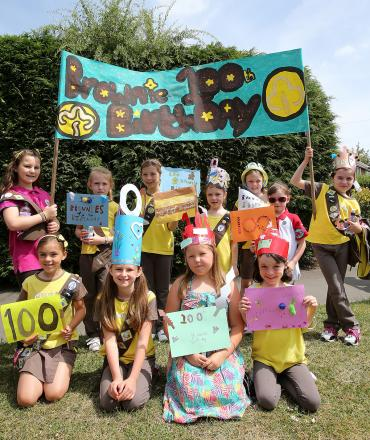 Brownies celebrating their 100th birthday at the Ongar carnival (EL77253_4)