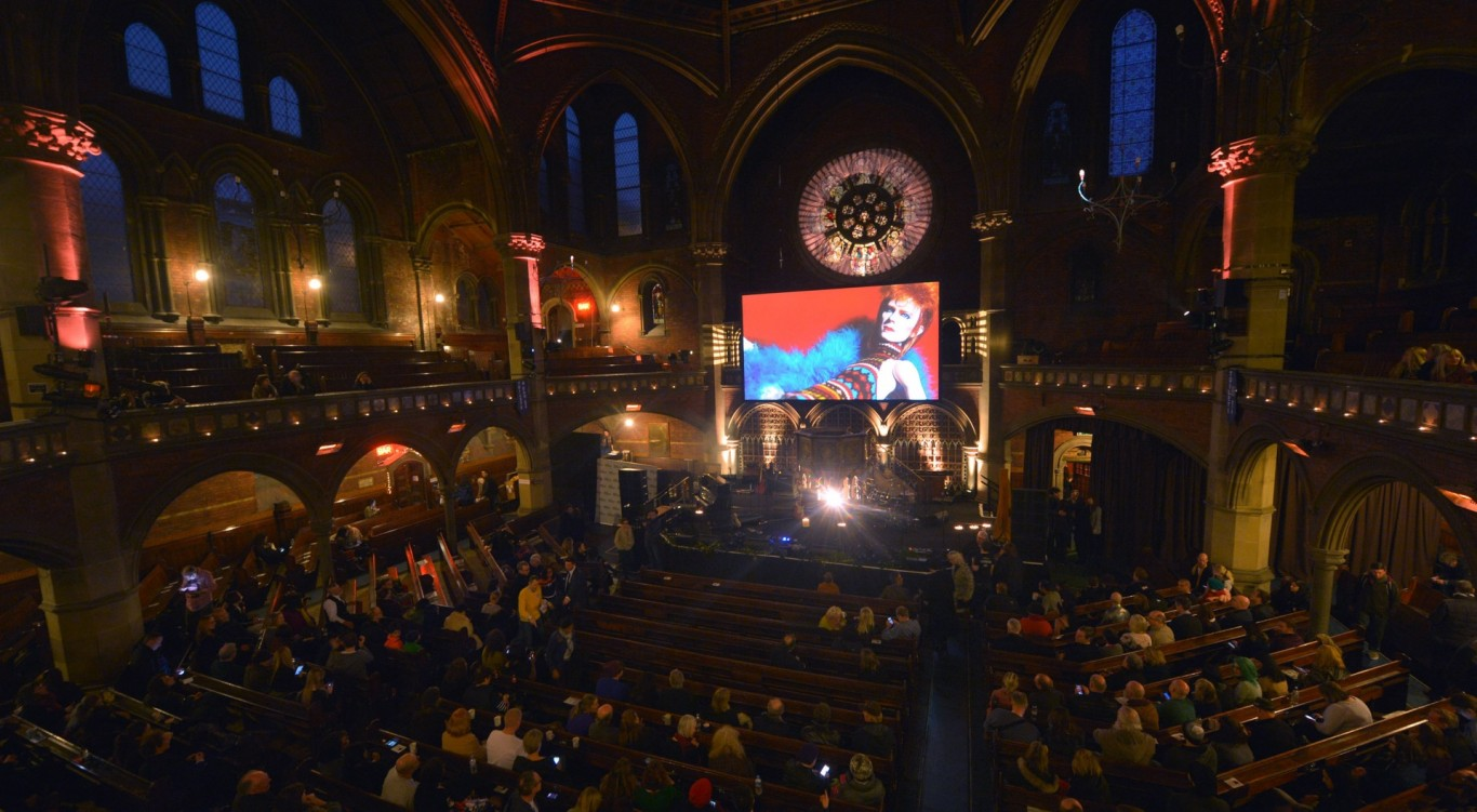 Starman celebration concert marks life of David Bowie