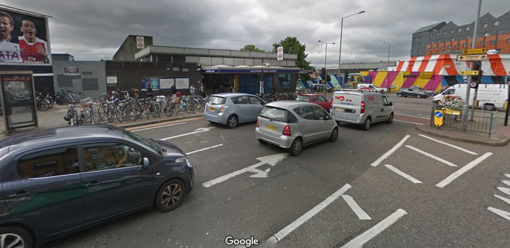 Man arrested after attempted robbery outside underground station