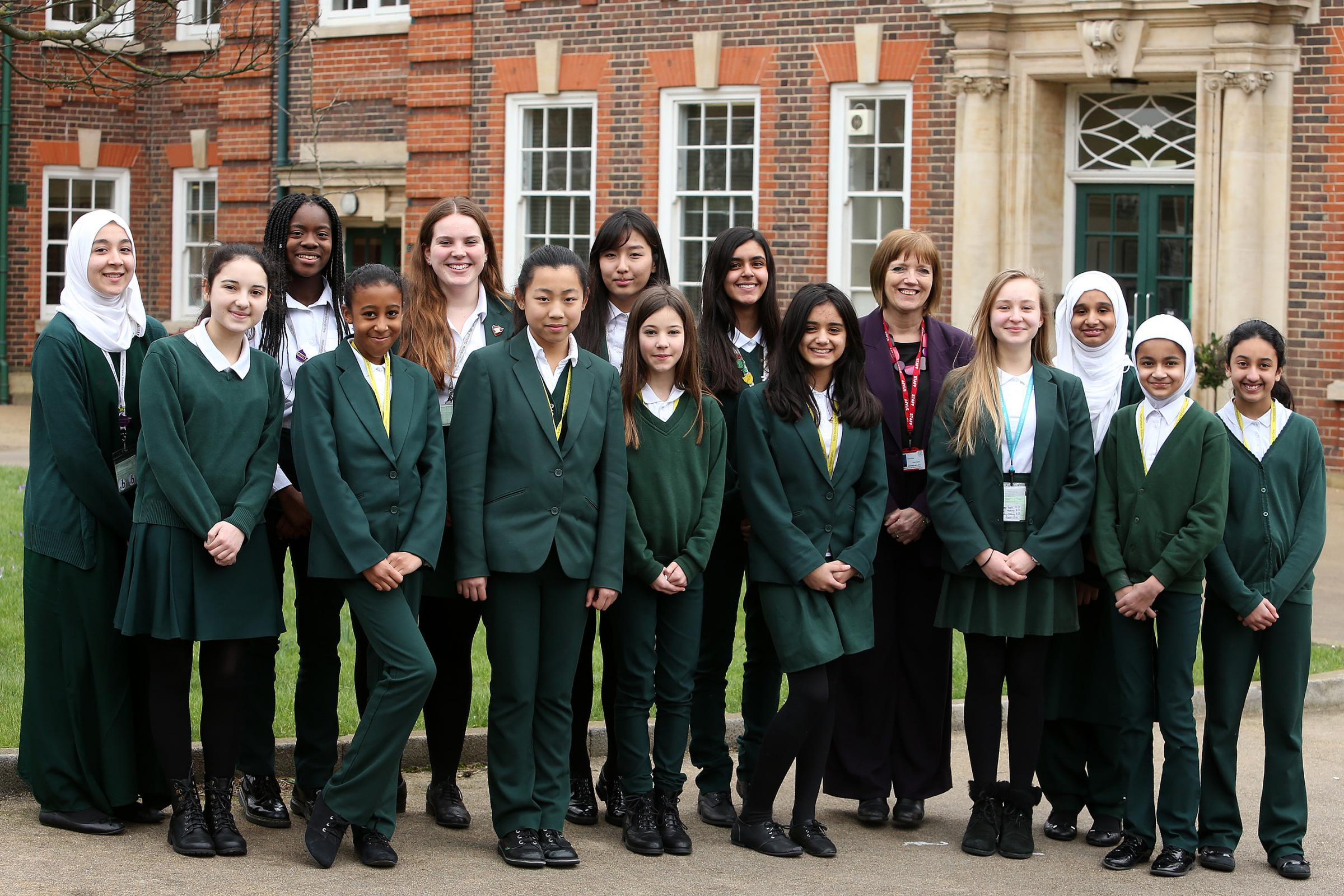 Walthamstow School for Girls alumnae and former staff hope to raise cash for the school at a quiz night on May 3.