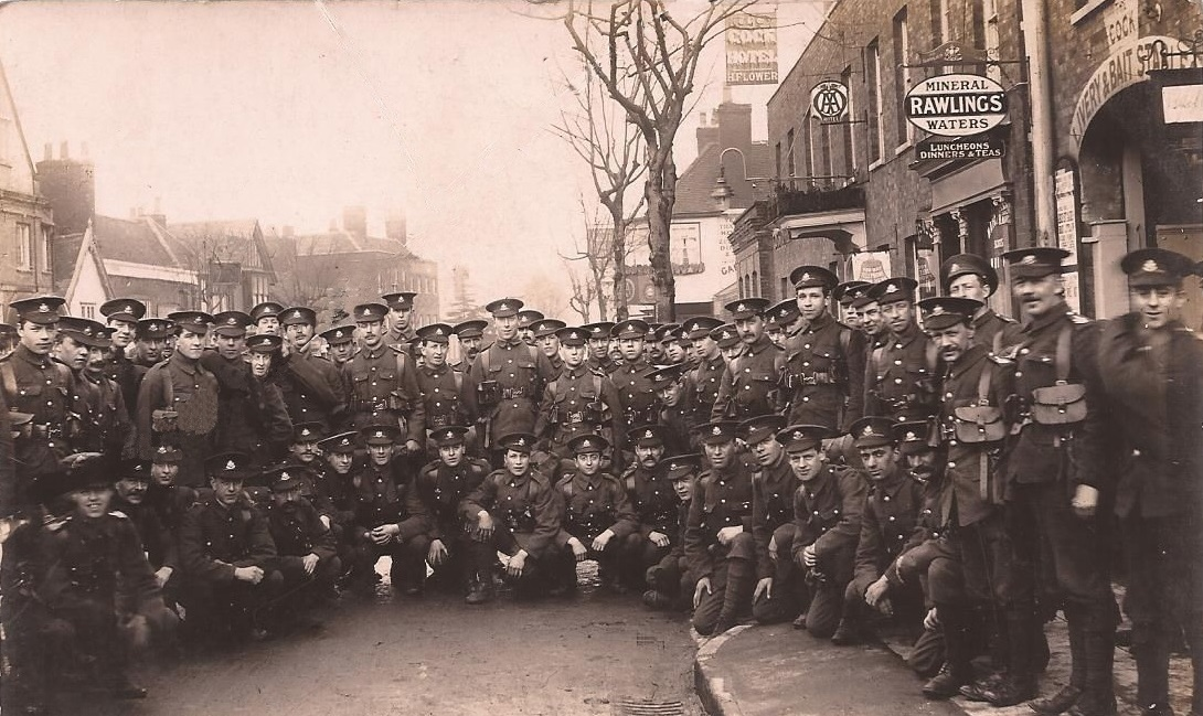 soldiers from the Sherwood Foresters (Notts & Derby Regiment) outside the Cock Hotel in Epping High Street in 1915
