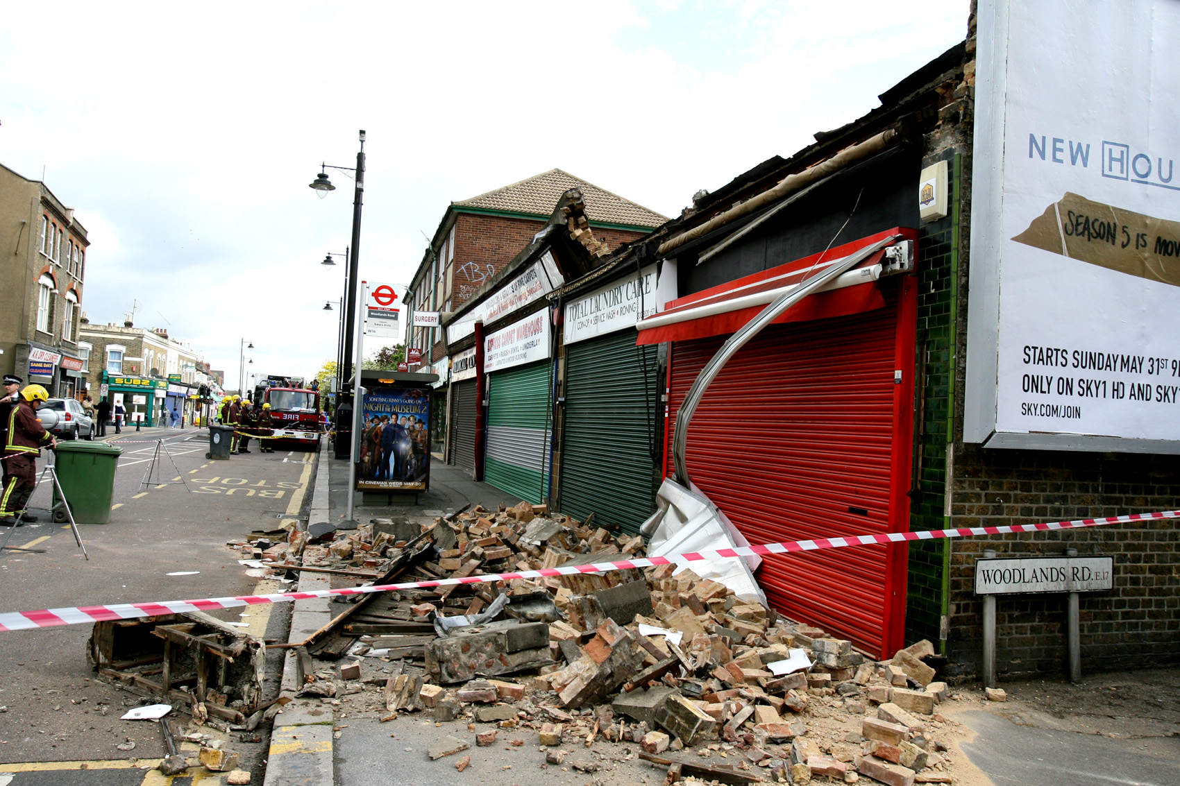 WALTHAMSTOW: Building collapses on busy street