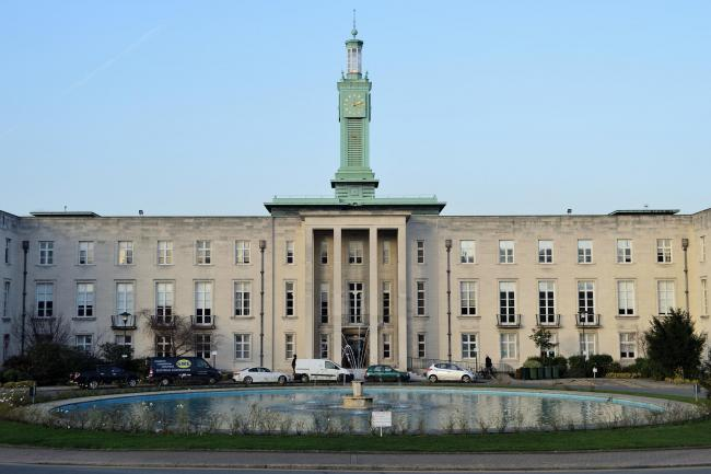 Waltham Forrst Town Hall, Walthamstow, east London. (11-12-2018) EL92372_05